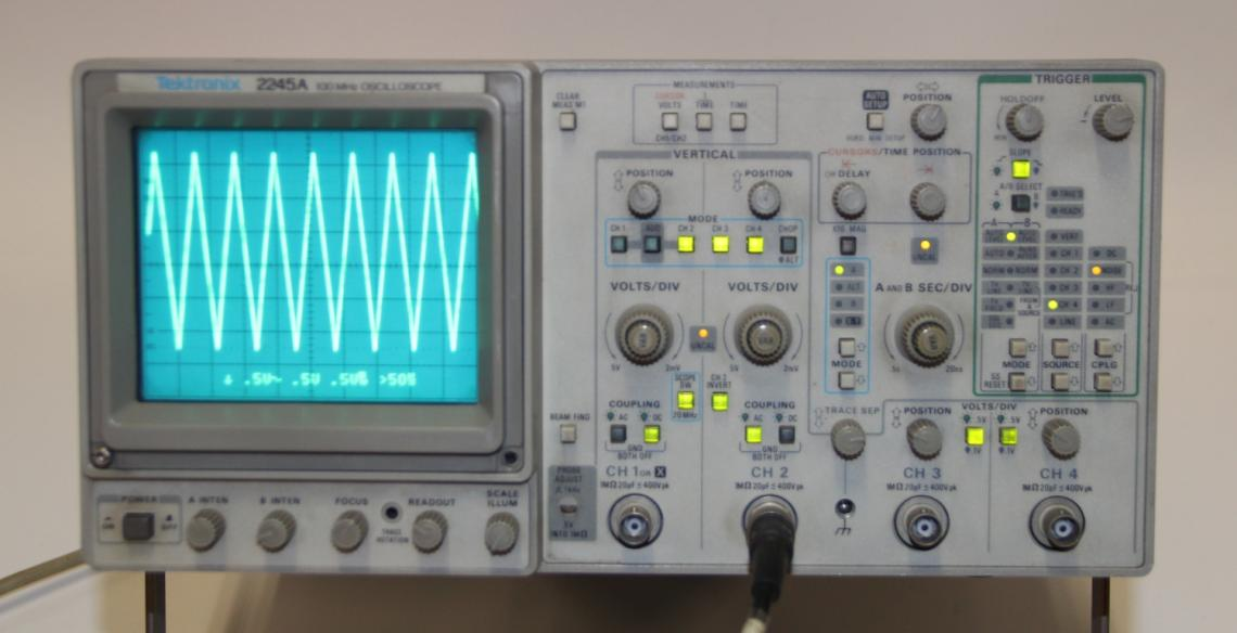 Tektronix Analog Oscilloscope : Tektronix a mhz channel analog oscilloscope